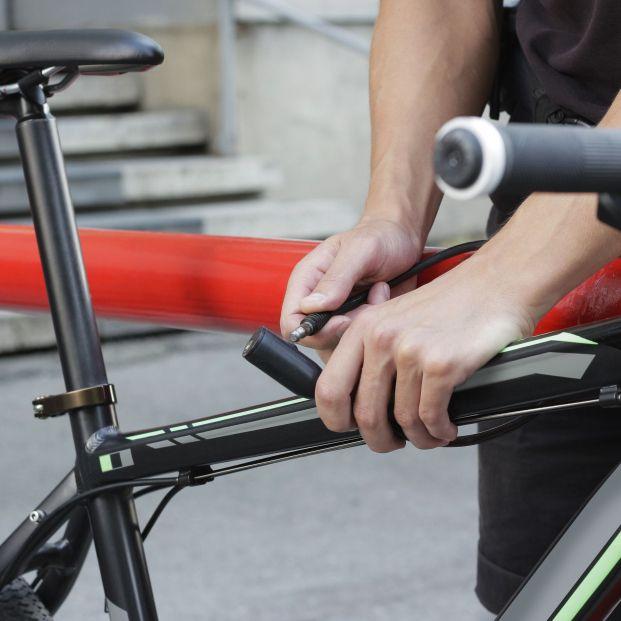 La Guardia Civil explica cómo aparcar la bicicleta para evitar que te la roben