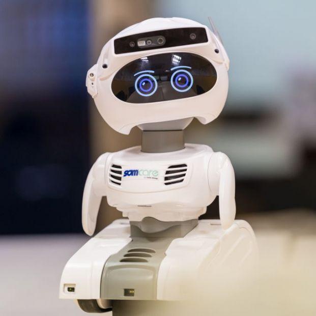 Barcelona hará una prueba piloto con el robot que atiende a mayores que viven solos