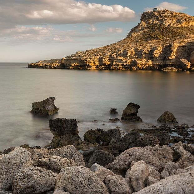 Recorremos los cabos con un entorno más espectacular: Cabo de Gata