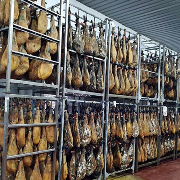 Trece investigados por comercialización ilegal de jamones en varias provincias