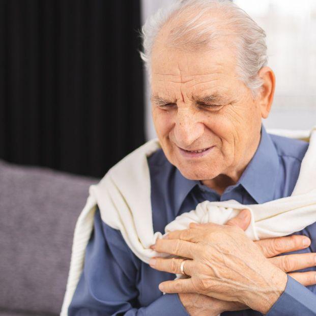 Costocondritis: la inflamación del cartílago que duele como un infarto