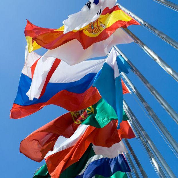 Países que mantienen más colonias por el mundo. Banderas izadas en las Naciones Unidas (BigStock)