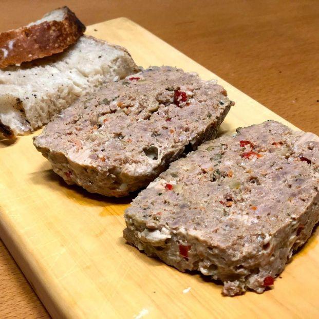 Pastel de carne con aires de tartar: las recetas de cocina de Eloy Moral