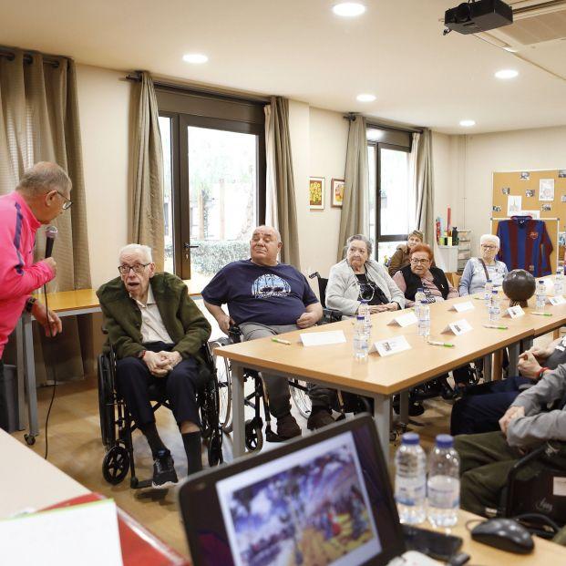 El fútbol como arma para frenar el Alzhéimer en residencias de mayores