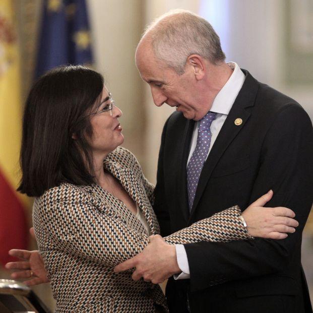 La ministra de Política Territorial y Función Pública, Carolina Darias, y el consejero de Gobernanza Pública y portavoz del Gobierno vasco, Josu Erkoreka, tras su reunión en Madrid