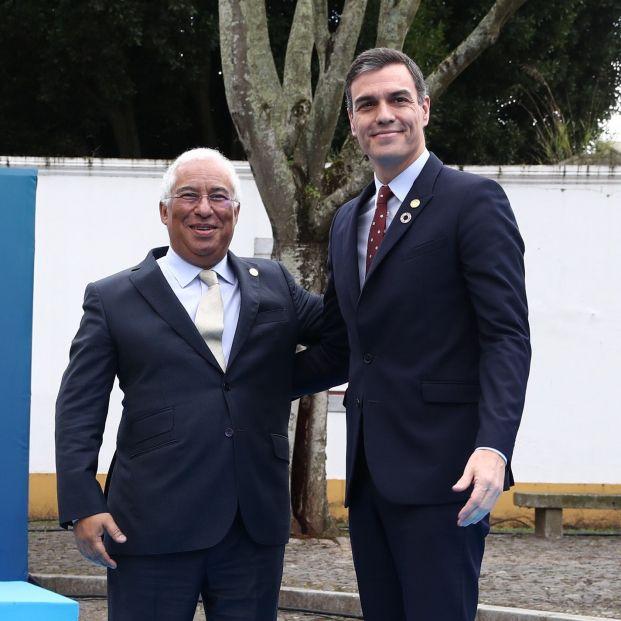 EuropaPress 2626232 (I D) El primer ministro de Portugal António Costa y el presidente del Gobierno Pedro Sánchez en Lisboa (Portugal) a 1 de febrero de 2020