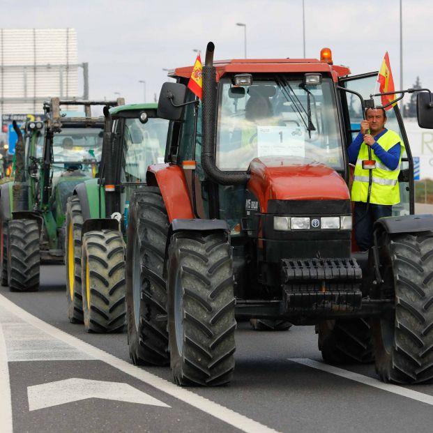 Más de 700 tractores toman este viernes las carreteras en Tarragona, Murcia y Guadalajara