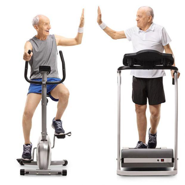 Andar previene la pérdida de memoria qué otras actividades benefician el cerebro de los mayores