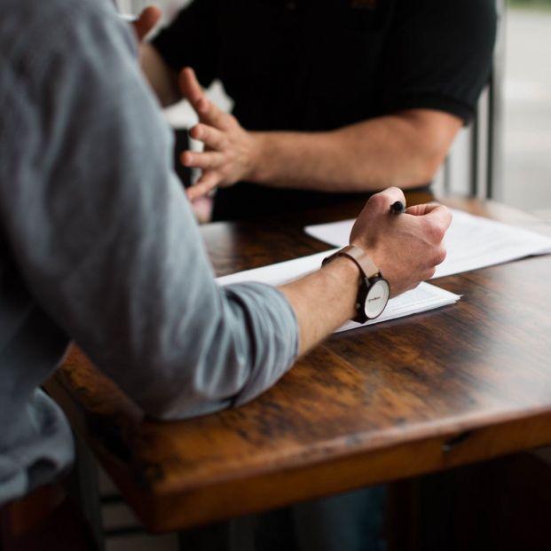 Los empresarios reclaman un contrato de compatibilidad, más barato, para conservar el talento sénior