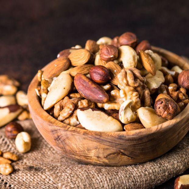 alimentos ricos en fibra. frutos secos (bigstock)