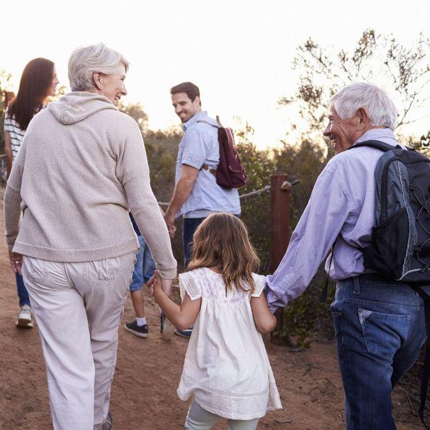 Las 8 pautas para disfrutar de los nietos