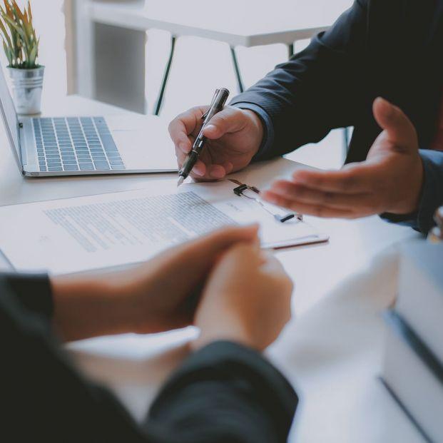 ¿Qué puedes hacer si tu banco decide cambiar las condiciones de contratación de tu cuenta corriente?