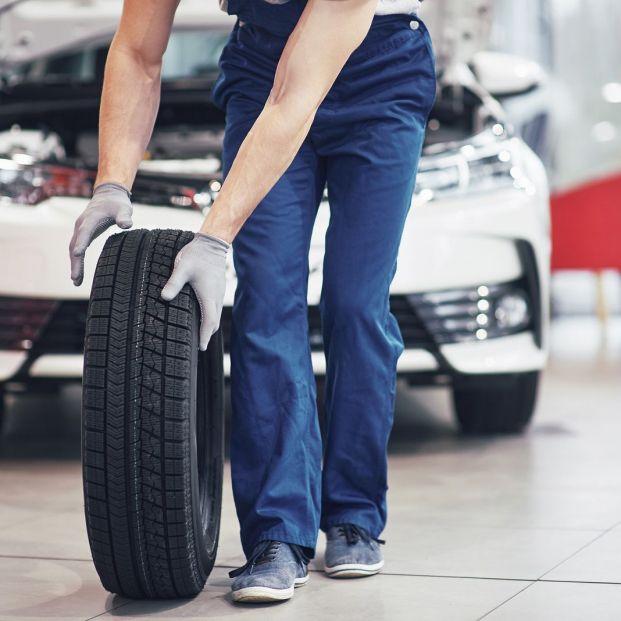 Los fabricantes recomiendan cambiar los neumáticos si han pasado 10 años desde su fecha de fabricación