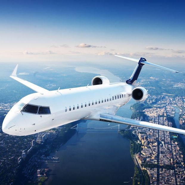 Cuál es el sitio más seguro para sentarse en un avión en caso de accidente