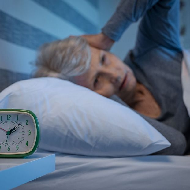 La mala calidad de sueño deteriora la función en piernas y brazos de los mayores
