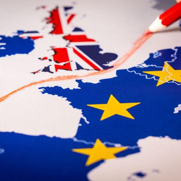 Brexit duro: ¿Cómo afectaría a españoles y británicos residentes?