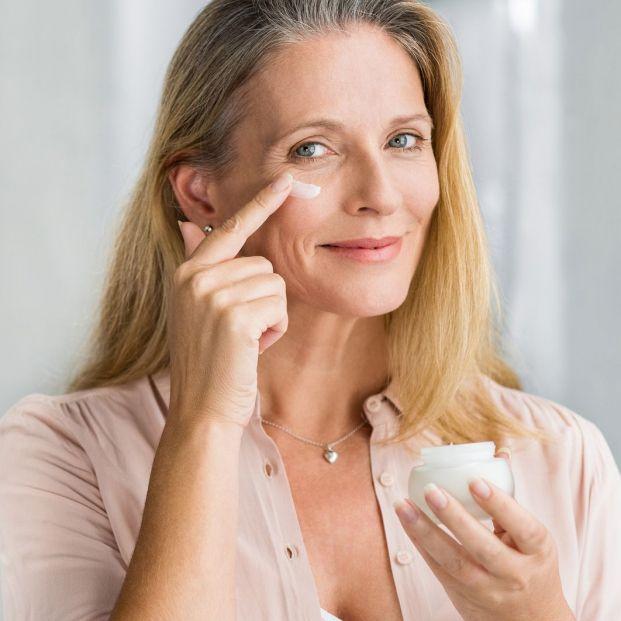 Cómo disimular las ojeras con técnicas de maquillaje (Bigstock)