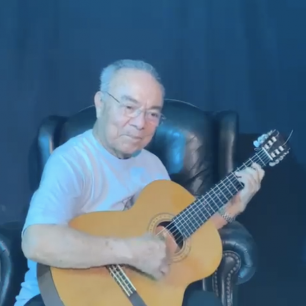 "Rafael Basurto Lara, ""Chaparro, miembro de Los Panchos canta para pedir que nos quedemos en casa"