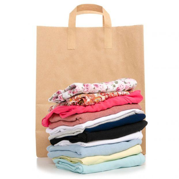 Dónde puedo reciclar ropa la ropa que ya no uso (Bigstock)