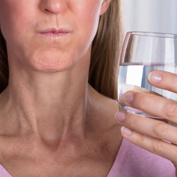 La medicina desmiente que hacer gárgaras ayude a prevenir el coronavirus