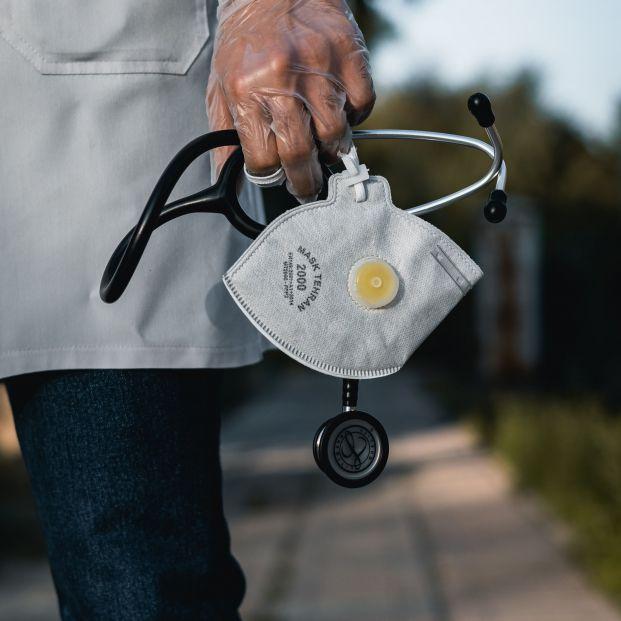 Los seguros de salud cubren el coronavirus de las personas mayores, sin aumento de prima