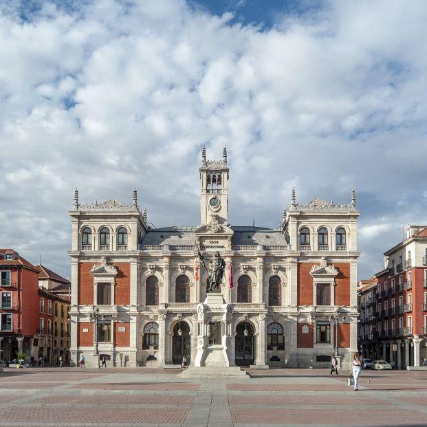 Plazas mayores antiguas Valladolid (Bigstock)