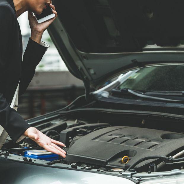 Los consejos de la DGT para proteger la batería de tu coche en verano. Foto: Bigstock