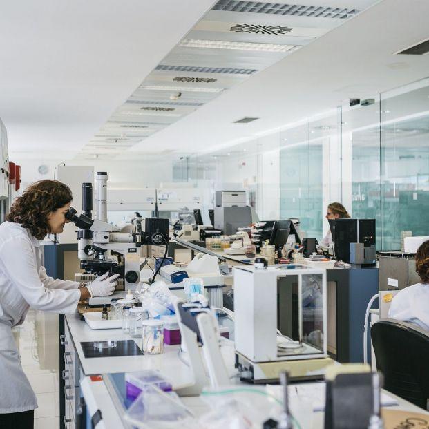 Laboratorios privados, intervenidos para regular los test