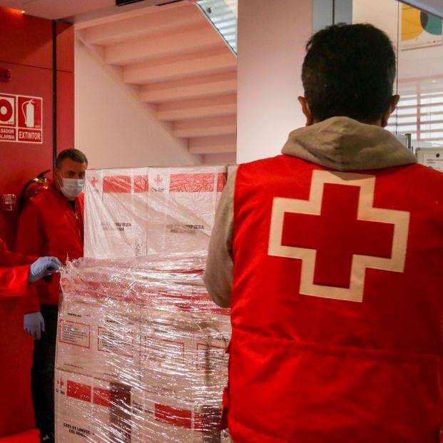 Cruz Roja abre un teléfono de apoyo a personas enfermas, solas o que han perdido a un familiar