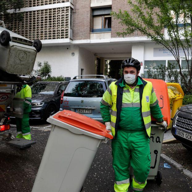 Las mascarillas higiénicas reutilizables se deben desinfectar y esta es la manera de hacerlo