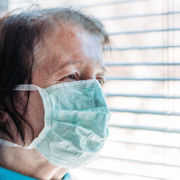 Sanidad estudia alargar el confinamiento de las personas mayores hasta el verano