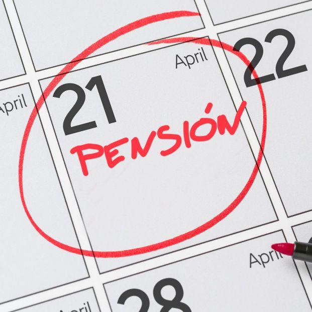 Los bancos también adelantan el pago de las pensiones en abril: estas son las fechas de cada entidad
