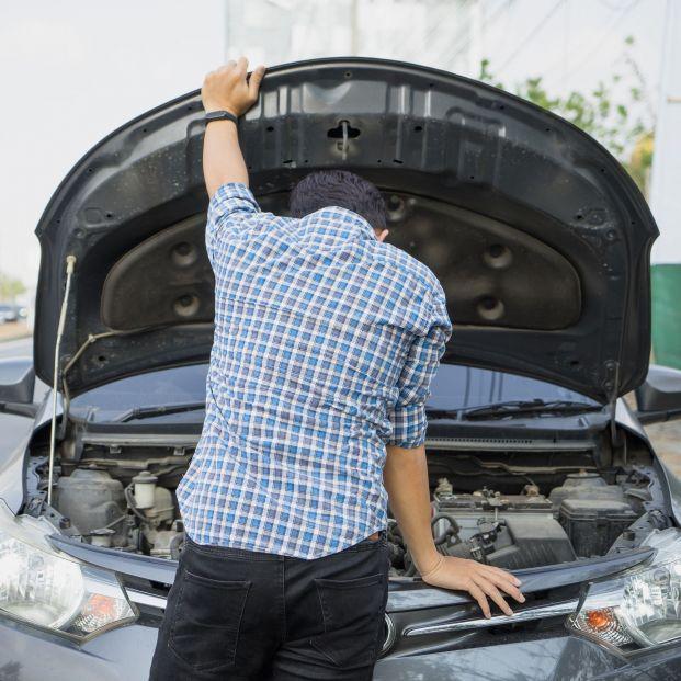 La DGT avisa: esto es lo que debes revisar en tu coche antes de irte de viaje
