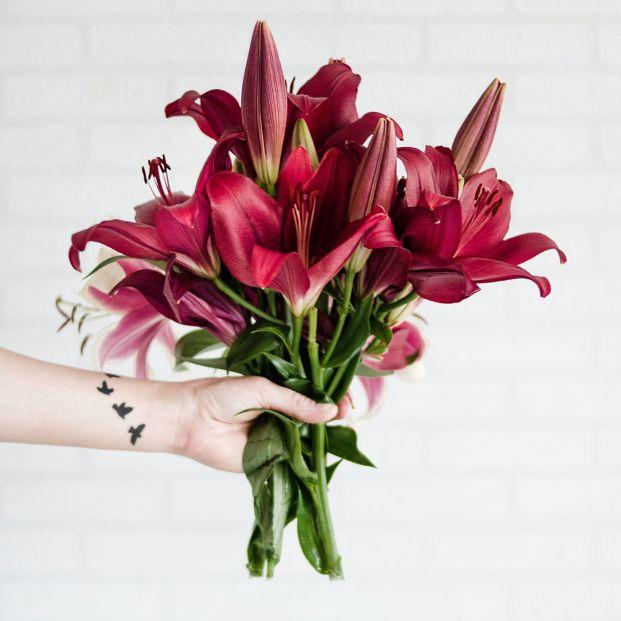 Una web envía flores a los sectores esenciales con mensajes de apoyo personalizados