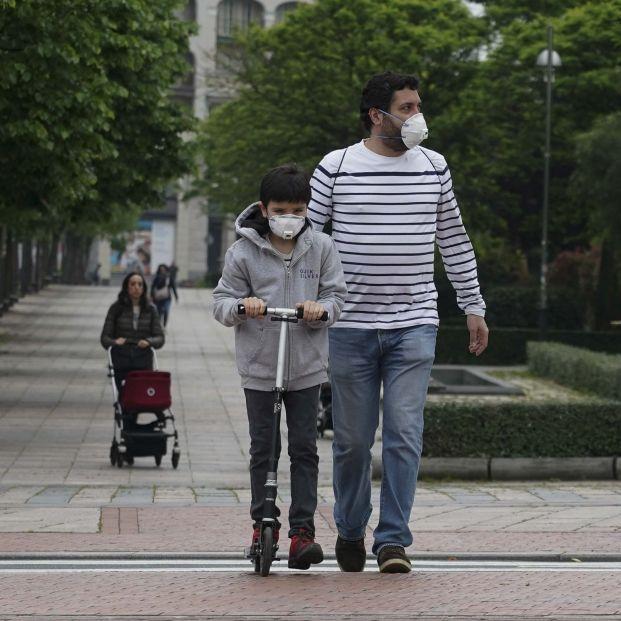 Niños paseo coronavirus