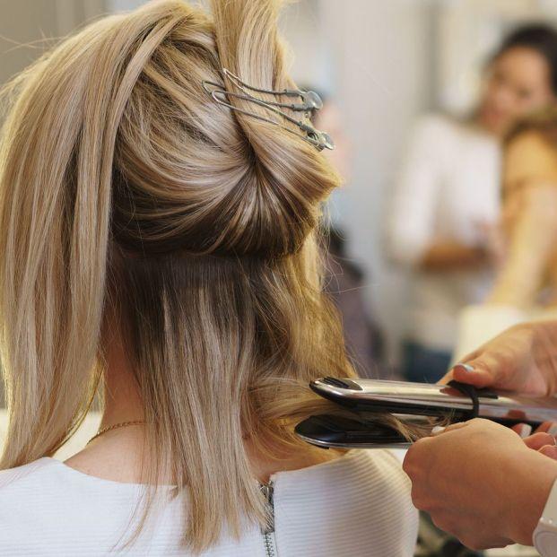 Trucos y peinados para disimular la frente ancha más allá del flequillo