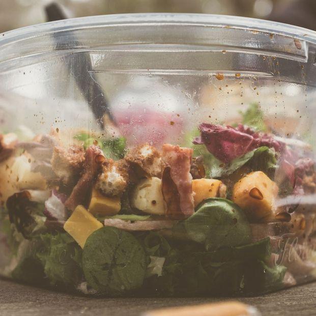 Las ensaladas envasadas del supermercado, muy poco saludables: solo estas cuatro se salvan