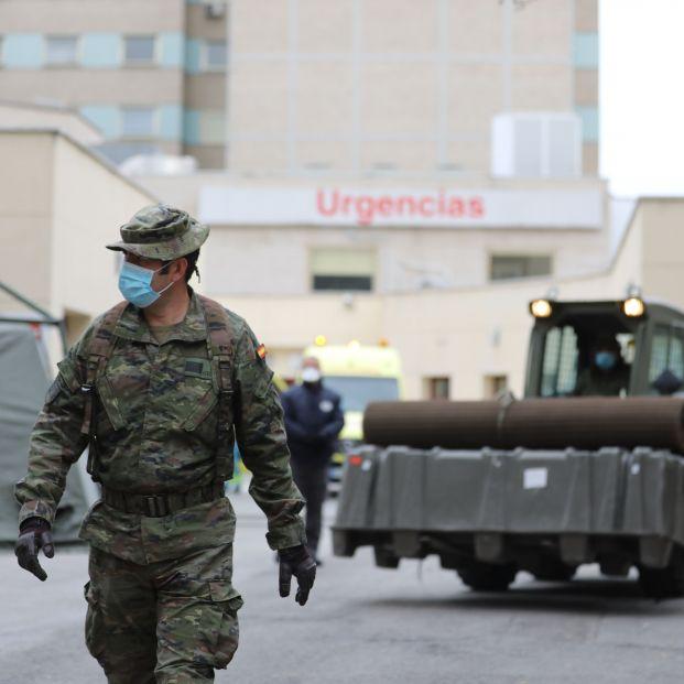 Un informe del Ejército prevé dos oleadas más de coronavirus y año y medio para superar la pandemia