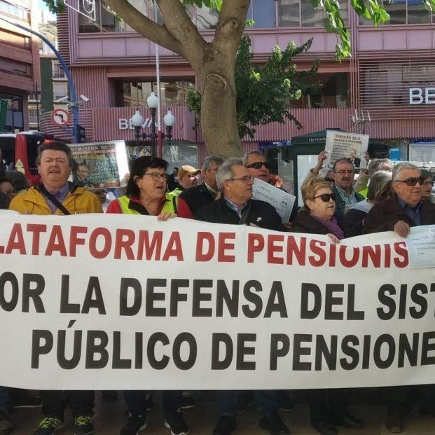 Las pensiones, en riesgo de congelación e incluso recorte si la crisis fuerza el rescate de España