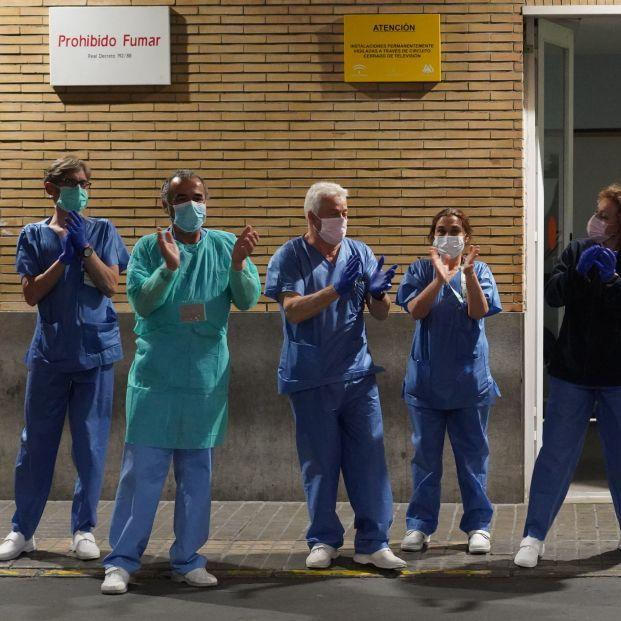 Aplausos sanitarios. Las 10 buenas noticias del coronavirus de hoy 19 de mayo. Foto Europa Press