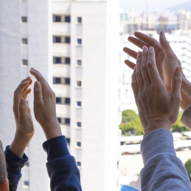"""Convocan para este 17 de mayo un último aplauso que dé un """"final digno"""" al símbolo del confinamiento-Las 10 buenas noticias del coronavirus de hoy 22 de mayo"""