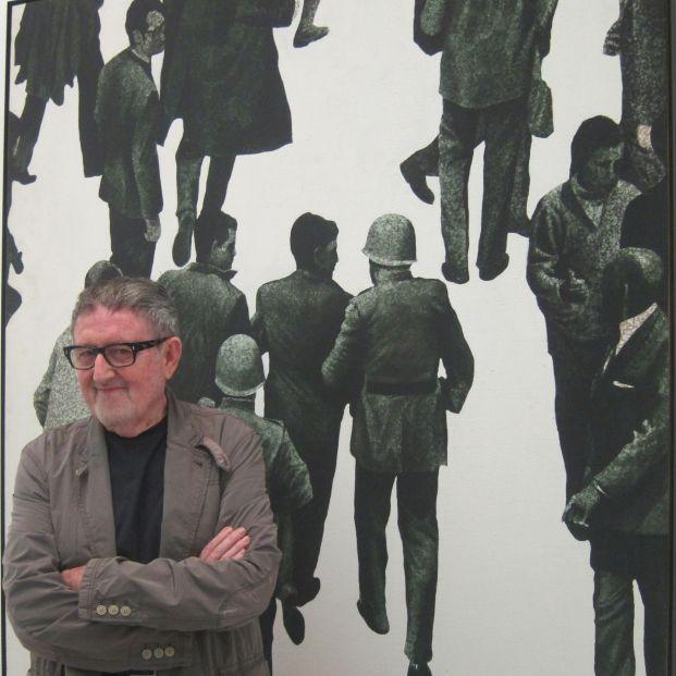 Muere el pintor Juan Genovés, autor de 'El abrazo', símbolo de la Transición