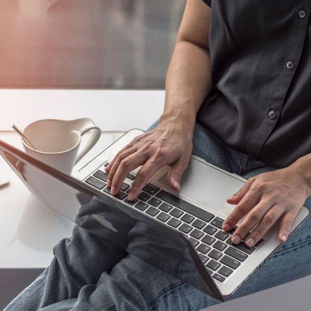 El 49'3% de los españoles afirma que no podría vivir sin internet, según la AIMC (Big stock)
