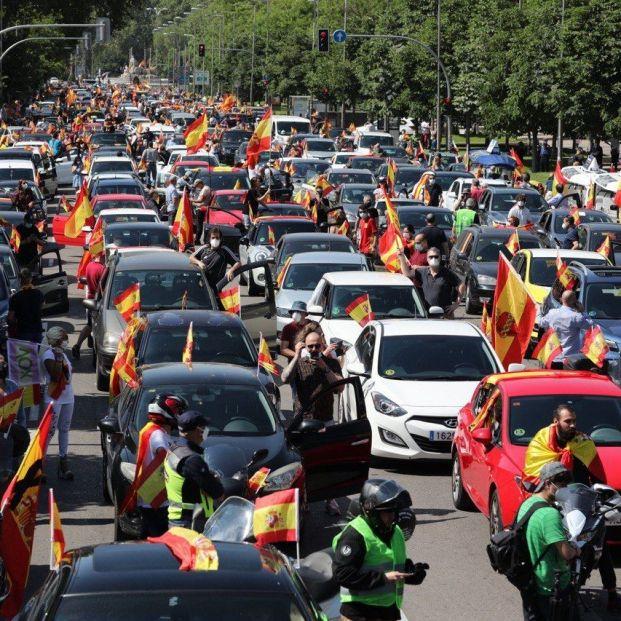 Vox saca a la calle a miles de conductores para exigir la dimisión del Gobierno