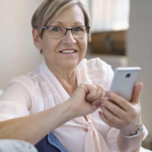 CaixaBank ayuda a los mayores a hacer el clic en sus gestiones financieras