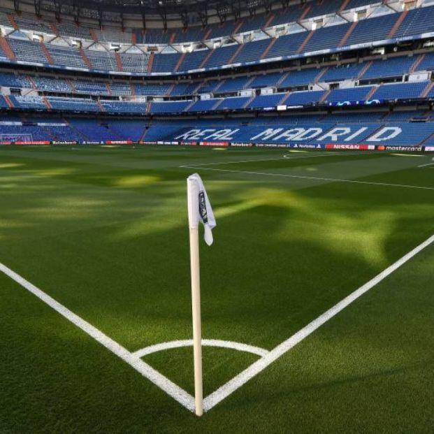 Los clubes de fútbol están obligados a reembolsar a los aficionados el dinero del abono, según Facua