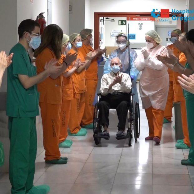 Pedro, de 88 años, el paciente 2.000 que ha superado el coronavirus en el Hospital Gregorio Marañón