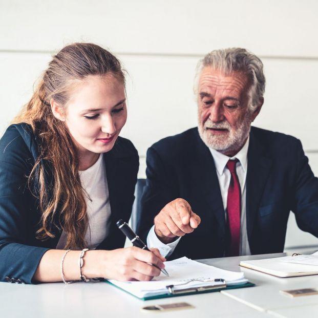Los profesionales de más de 50 años serán esenciales en la recuperación económica post-COVID