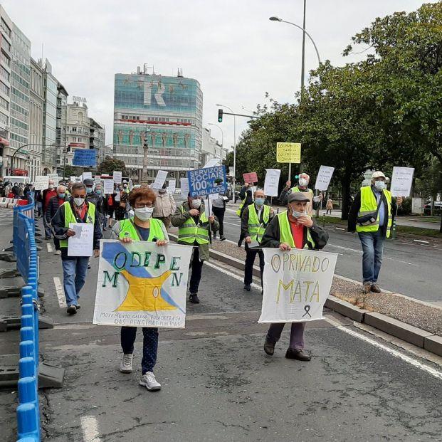 Marchas en Galicia exigen responsabilidades sobre la crisis de las residencias de mayores