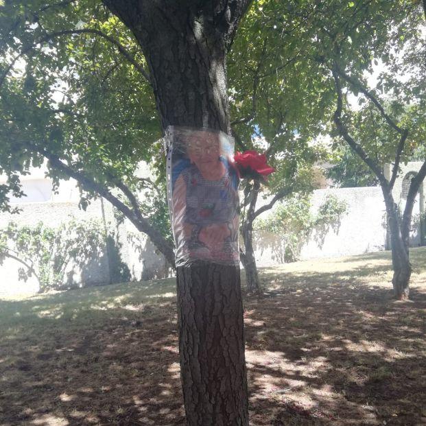 Emotivo homenaje a los mayores fallecidos en residencias